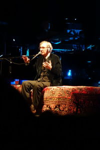 """Franco Battiato live in Madrid"" by Juan Lupión - Own work. Licensed under CC BY-SA 3.0 via Wikimedia Commons."