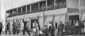 Sbarco di immigrati a Ellis Island, New York, inizio '900