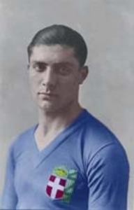 """""""Giuseppe Meazza 1930-1933"""" di Ignoto - GiuseppeMeazza.it. Con licenza Pubblico dominio tramite Wikimedia Commons."""