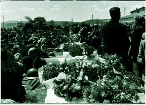 I funerali delle vittime del disastro minerario di Ribolla del 7 maggio 1954. Il repertorio fotografico è stato tratto dal volume curato da Cipriani Massimo, La miniera a memoria, Roccastrada, 2004