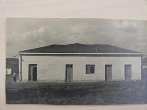 21) Lo spaccio della cooperativa di Ribolla in una foto dei primi anni '50, Archivio Storico Unicoop Tirreno