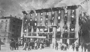 Incendio del Narodni Dom di Trieste, 13 luglio 1920 (http://www.italia-resistenza.it/risorse-on-line/teche/fototeca/)