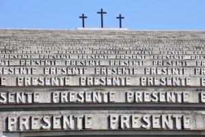 20. La monumentalità a scala paesaggistica del sacrario di Redipuglia  (http://www.cilibertoribera.it) - particolare