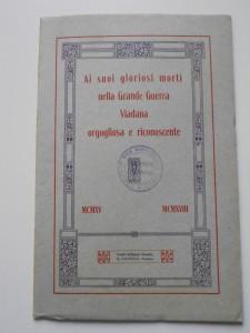 4.Ai suoi gloriosi morti nella Grande Guerra Viadana orgogliosa e riconoscente MCMXV - MCMXVIII, opuscolo commemorativo, copertina (ASC Viadana, b. 171, aut. 77/2016)