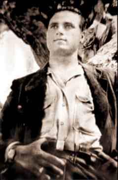 Salvatore Giuliano, identificato come autore della strage di Portella della ginestra Pubblico dominio, Collegamento
