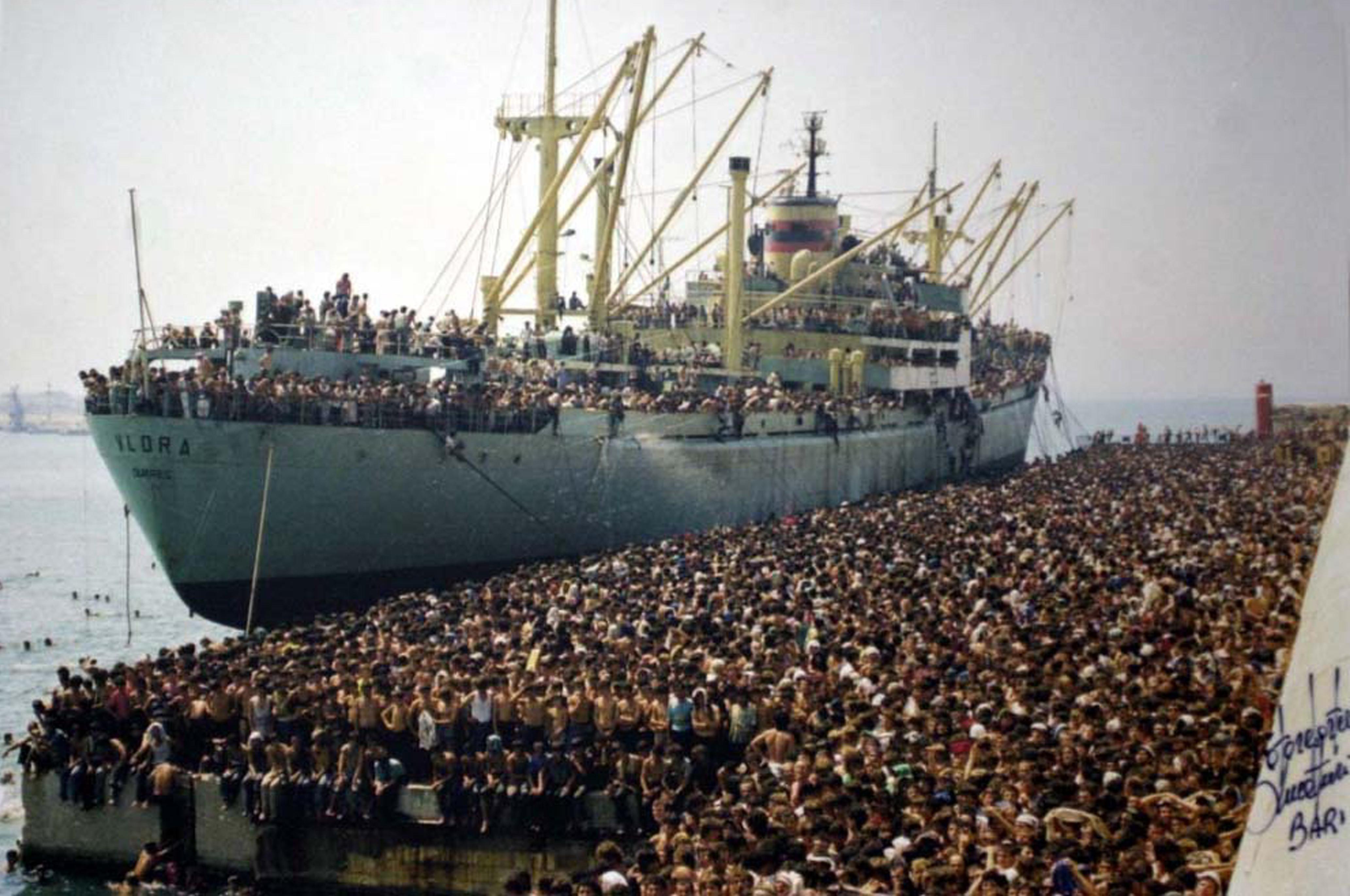 1991. Lo sbarco della Vlora. L'Italia diventa l'approdo dei nuovi migranti