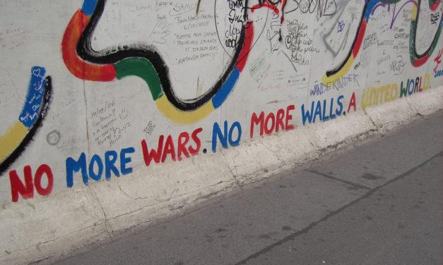 """Secondo Novecento e didattica digitale. Il Sessantotto, il Muro di Berlino e """"Another brick in the Wall"""""""